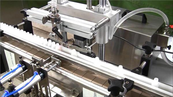 מכונת מילוי בקבוקי נוזלים אלקטרוניים במהירות גבוהה